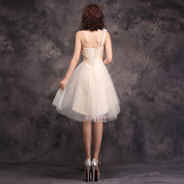 ชุดไปงานแต่ง