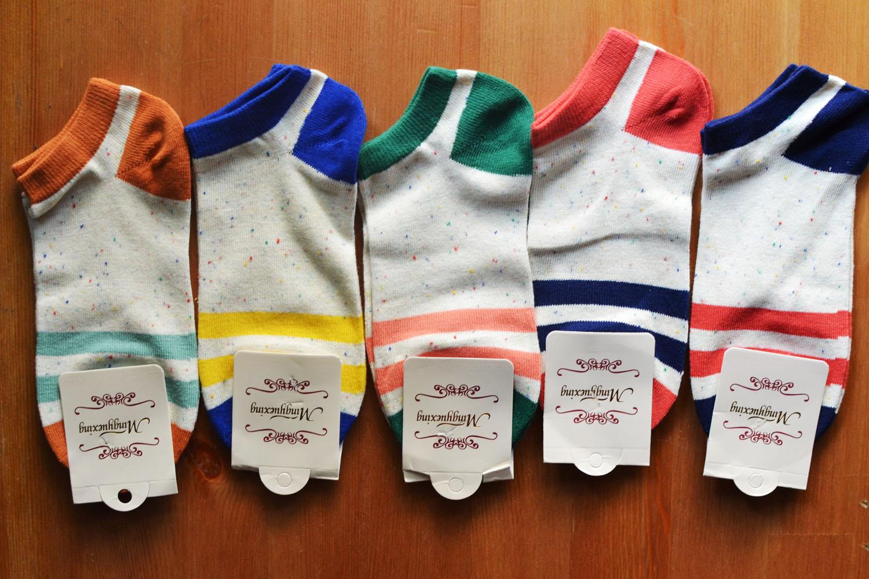 S560 **พร้อมส่ง** (ปลีก+ส่ง) ถุงเท้าแฟชั่น ข้อตาตุ่ม คละ 5 สี เนื้อดี งานนำเข้า มี 10 คู่ต่อแพ็ค