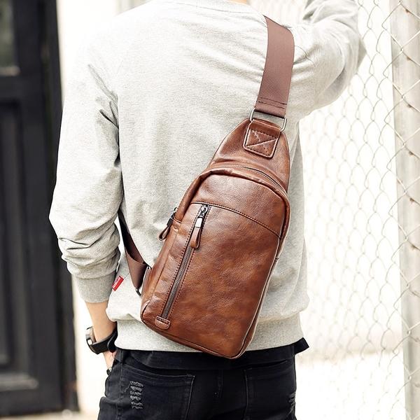 Pre-order กระเป๋าผู้ชายคาดอกแฟชั่นเกาหลี ใส่ ipad 7.9 นิ้ว Messenger กระเป๋ากีฬากันน้ำ รหัส Man-9202 สีน้ำตาล