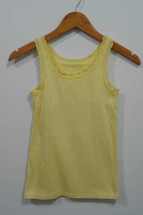 jp4118 เสื้อกล้ามผ้ายืดสีเหลืองลายจุดสีขาว Gap kids ไซค์ 140