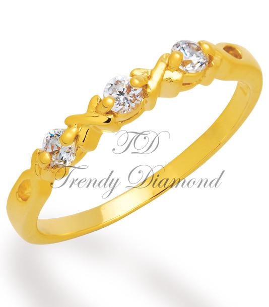 แหวนเพชร Triple x สีทอง