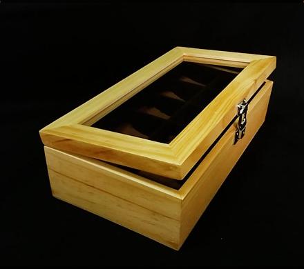 กล่องใส่นาฬิกางานไม้สน บุสีน้ำตาล มีกุญแจล็อกสีเงิน (สินค้าพร้อมส่ง) จัดส่งฟรี